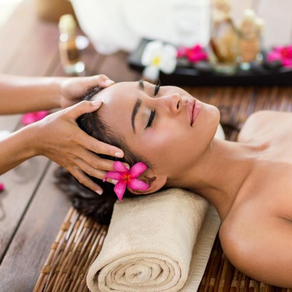 Orientalny masaż pleców i głowy w Studio Sante Uzdrowisko Miejskie